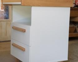 table à langer 2 tiroirs en hêtre avec poignées bois