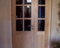Porte intérieure vitrée en frêne vernis naturel